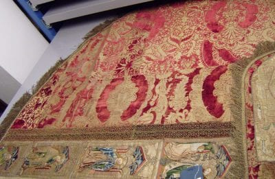 Unknown, Detail of the left side of a cope of gold-brocade, ca. 1525, Museum Catharijneconvent, Utrecht