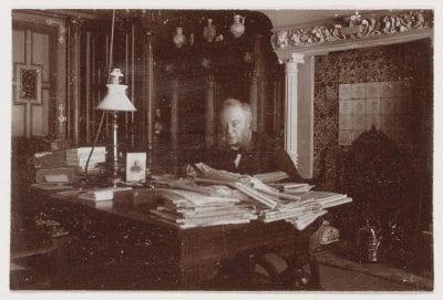 Unknown photographer, Dirk C. Meijer Jr. in his study at Vondelstraat 8, Amsterdam City Archives